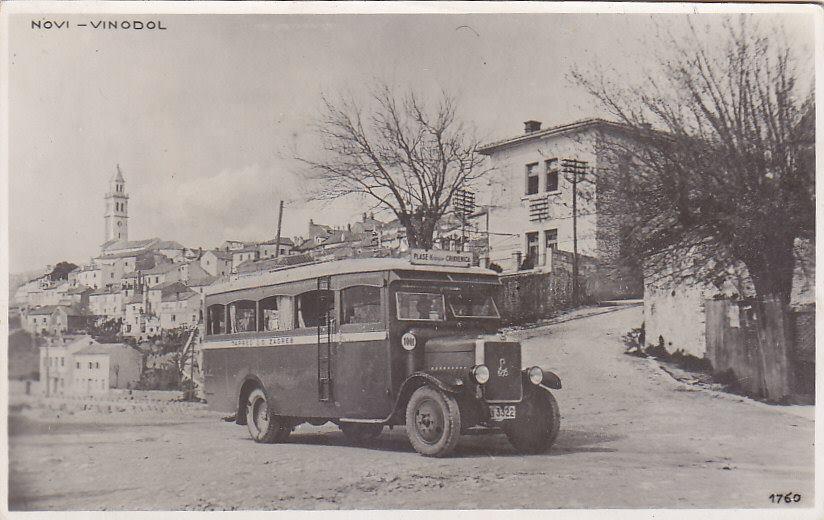 old bus novi vinodolski