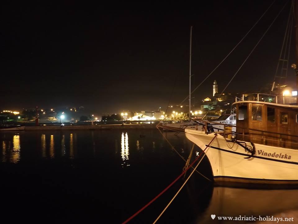 night in marine novi vinodolski